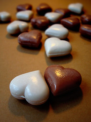 branco-e-marrom-sabonetes (wagner campelo) Tags: color colors cores soap chocolate cor soaps sabonete sabonetes