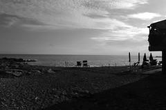 Alla spiaggia @ Bordighera (donelligiacomo) Tags: wintersea maredinverno