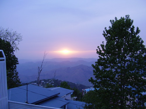 2935291150 3a8b872afd A Blue Sunset in Muree Town