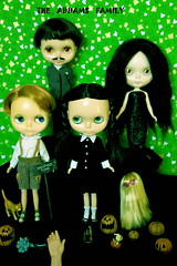The Addams Family (girl enchanted) Tags: family halloween wednesday scary hand thing spooky pugsley gomez thething addamsfamily morticia adamsfamily theaddamsfamily theadamsfamily cousinitt scaryfamily spookyfamily