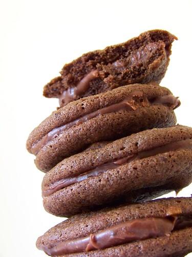... , that tastes good!: Chocolate chocolate chip mocha sandwich cookies