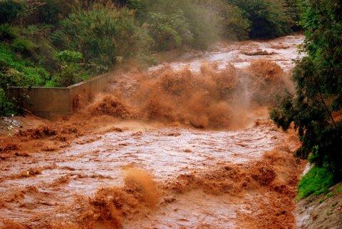 fuertes lluvias y temporal 26-10-2008 051