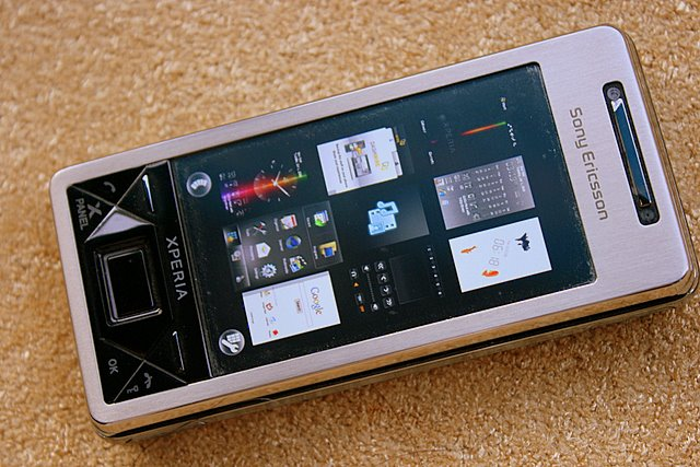 The much awaited Sony Ericsson Xperia X1 hides its Windows Mobile OS well with the nine-panel interface