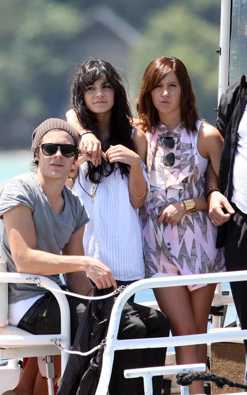 Exclusive: Zac, Vanessa And Ashley Enjoy A Boat Ride In Sydney (USA ONLY)