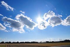 Blue sky_01 - (c) by http://www.flickr.com/photos/ajari/