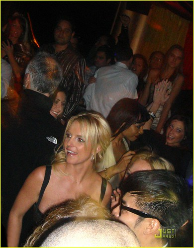 britney-spears-27th-birthday-ten-june-08