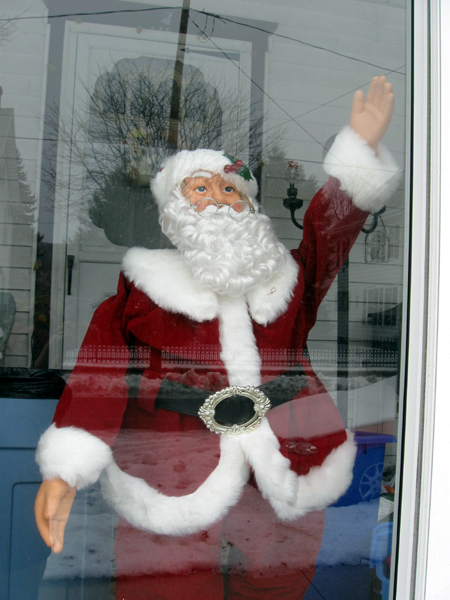 Santa Hails a Taxi (Click to enlarge)