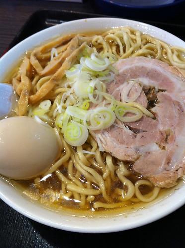 自家製太麺渡辺・ラーメン大味玉