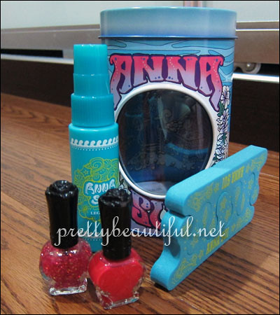 Anna Sui Beach Collection - Glittering Pedicure Kit