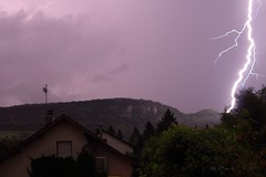 Coup de flash sur Poligny (Mat1212) Tags: lightning thunder orage clair poligny