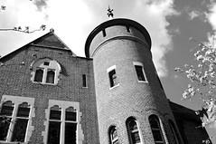 'Round them Brick Walls (Gene Fama) Tags: uk bw house london history site outdoor kensington residence ledzeppelin oudoor rockandroll towerhouse jimmypage blackandwhit greatbritai canonef24mmf14l uniedkingsom