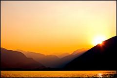 tramonto su locarno (mbeo) Tags: sunset lago schweiz switzerland ticino tramonto suisse natura locarno maggiore svizzera paesaggi soe posti lagomaggiore mbeo tramontolagolocarno