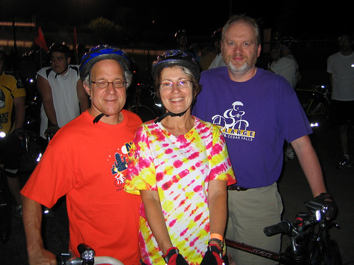 Cliff, LInda, and Dan at the Start Line
