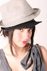 (Davii Rangda) Tags: woman haircut colour hat fashion japan japanese mujer eyes moda lips coco chapeau labios sombrero japonesa japon