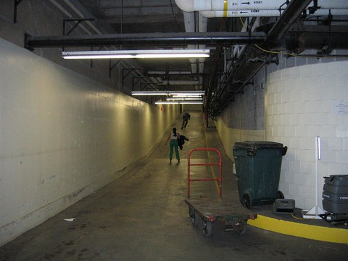 Inline skaters in the tunnels
