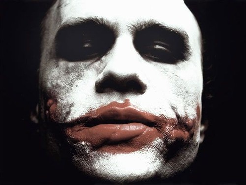heath-ledger-e-joker-in-una-scena-del-film-the-dark-knight-41622 da te.