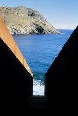 <パサージュ ヴァルター・ベンヤミンへのオマージュ> ポルト・ボウ、スペイン 1990-94年 (c) Jaume Blasi