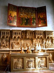 Altar triptych, alabaster predella & socle, and three reliquary busts of virgin maidens (ggnyc) Tags: nyc newyorkcity sculpture newyork museum germany spain triptych manhattan gothic saints medieval altar zaragoza relief spanish german met devotional middleages metropolitanmuseumofart washingtonheights busts forttryonpark virginandchild religiousart thecloisters reliquary alabaster badenwrttemberg aragn altarpiece medievalart uppermanhattan socle highrelief cloistersmuseum gothicart altorelievo predella thecloisterscollection burgweiler reliquarybust friezelike theburgweileraltarpiece altarpiecewiththevirginandchildandsaints nordwrttemberg francgomar dondalmaudemurycervell reliquarybusts boppardroom
