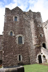 """Doune Castle • <a style=""""font-size:0.8em;"""" href=""""http://www.flickr.com/photos/62319355@N00/2832576889/"""" target=""""_blank"""">View on Flickr</a>"""