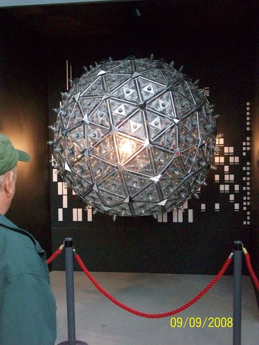 Ireland - Waterford Crystal Factory Tour - replica new years eve ball