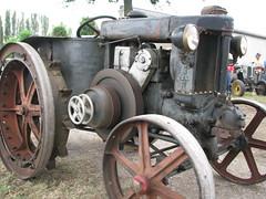 trattore (Cristina & Alessandro) Tags: tractor bologna maddalena di terre sagra bolognese bassa trattore pianura sagre budrio trattori minerbio paesane cazzano