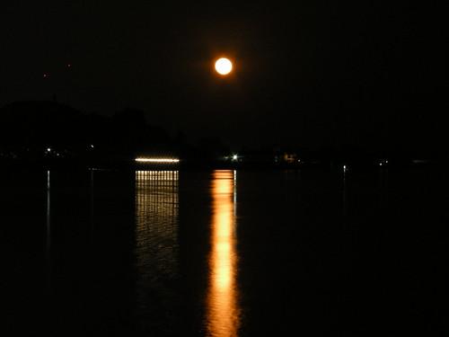 พระจันทร์ยักษ์