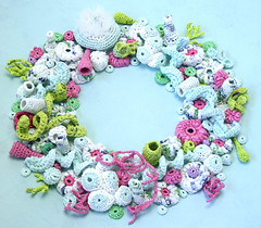 Xmas 2008 (gooseflesh) Tags: christmas xmas art bag crochet plastic yarn wreath