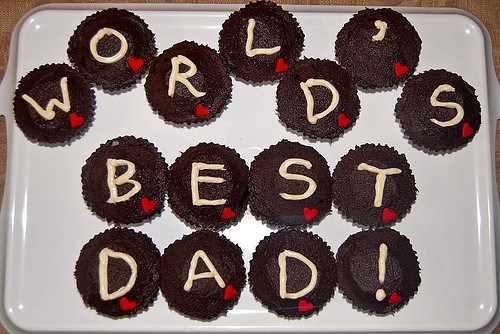 5769892288 3fd18d1d39 Father's Day Cupcakes
