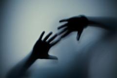 (BrunellaFratini) Tags: door canon photography mani reve oper magico immaginazione reverie sogno 100macro vasto meditare percezione visionario sognare sognante brunellafratini illussioneillusionista wwwabcgraficheit