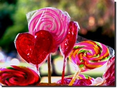 Take one! :) ( Popotito ) Tags: color colors spiral happy one candy heart shapes colores have uno ten lollipop alegre espiral toma chupete caramelo popotito weallloveyourightbackmydear