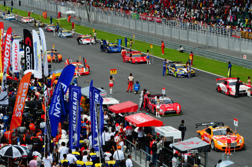 Way more carnival-like than an F1 GP race, Super GT, Sepang, 2008