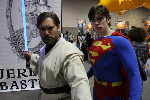 Obi Wan and Superman posing, by nathaninsandiego. Licenza Creative Commons Attribution-Noncommercial-No Derivative Works 2.0