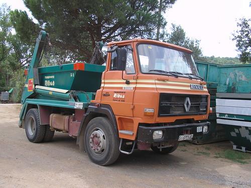 Dodge-Renault de l'empresa TRANSPORTS RIBAS de Tossa de Mar