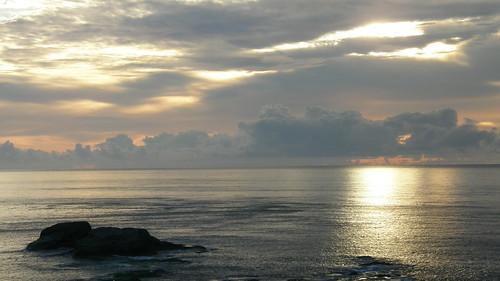 41.金黃的日出灑落海面 (3)