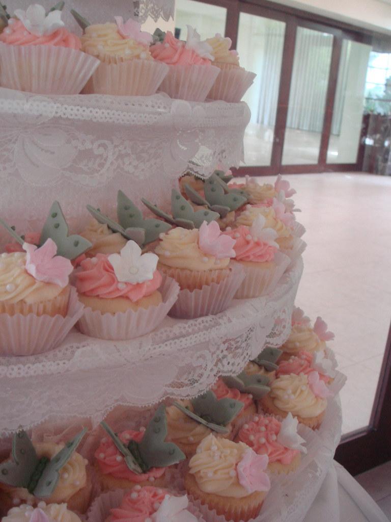 Shabby Chic Garden Wedding Cupcakes