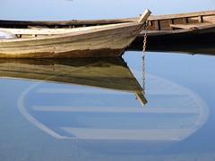 Dimenticate (Lucy 70) Tags: lake boats barche riflessi bl lagodiscroce