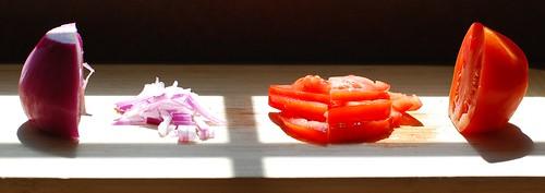 Onion VERSUS Tomato.