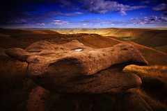 IMG_2402 (Uggla) Tags: uk longexposure england bw nature rock canon landscape nationalpark canon20d derbyshire peakdistrict filter nd highpeak uggla torkel sigma1020 nd1000 p121s 10secondsexposure 10stopnd closetosheffield torkeluggla