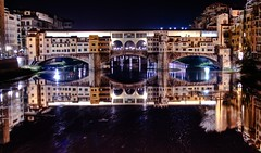 ponte vecchio in florence (italy), night hdr - firenze, italia
