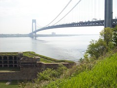 The Battery & the Bridge (22nyharborparks) Tags: park nyc bridge ny water harbor boat nationalpark weed war fort battery statenisland overlook narrows cannons wadsworth verrazanonarrowsbridge verrazano newyorkharbor fortwadsworth batteryweed harbordefense casematedbattery