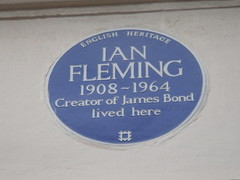 Photo of Ian Fleming blue plaque