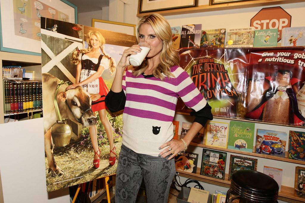 Heidi Klum drinking milk