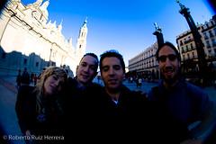 Family portrait (Berts @idar) Tags: zaragoza photowalk 8mm fz peleng espaa peleng8mmfisheye canoneos400ddigital xatakafoto pendientesdeetiquetar ¹⁄₁₆₀₀sec photowalkxfzaragoza