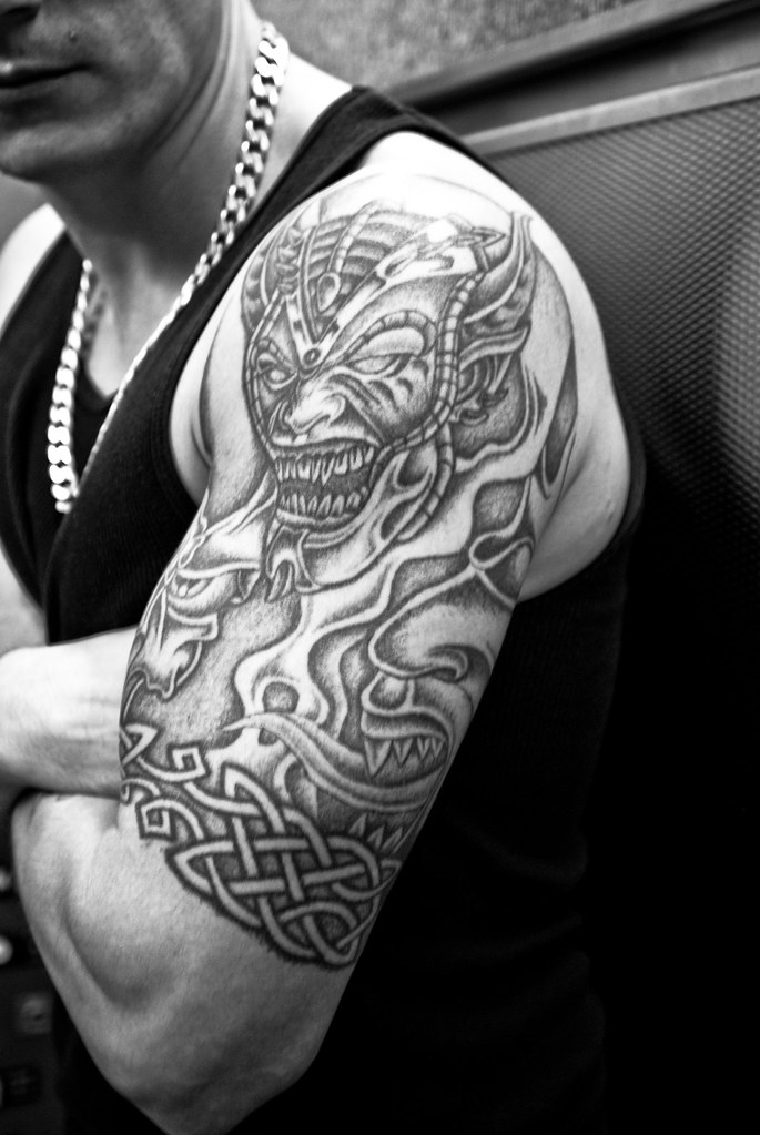 extreme tribal shoulder tattoo designs