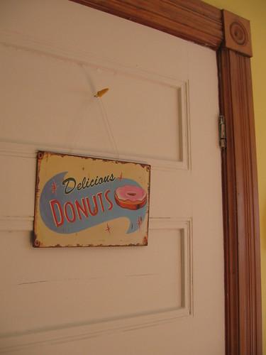 delicious donuts! delicious donuts!