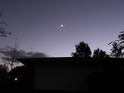 Moon-Venus-Jupiter Conjunction 4, 1 Dec. 2008