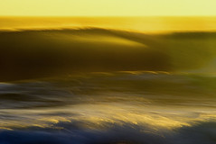golden blur (laatideon) Tags: blur surf waves slowshutter etcetc f32 125sec laatideon deonlategan