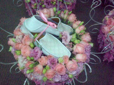 Hantaran dari Ekin – kasut warna biru laut jenama Gucci untuk suami ...
