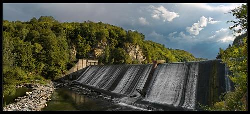 Dam (Плотина)