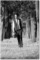 Not Coming Home (Zakaria Salhi) Tags: portrait bw men home nature amazing model nikon morocco maroc chapeau 28 coming nikkor reflector rabat d300 200mm reflecteur not zakariasalhi saadelmjarad moroccanactor